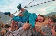 روایت خالد حسینی از مهاجران سرگردان از کابل تا سیسیل . ترجمۀ: آرش رضاپور